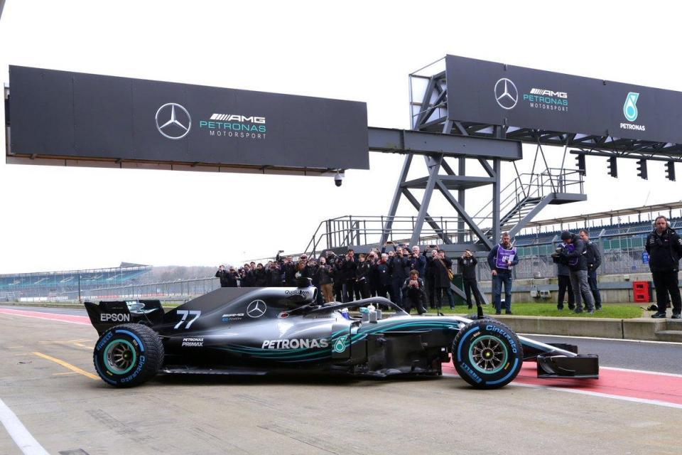 Novo W09 entusiasma Lewis Hamilton