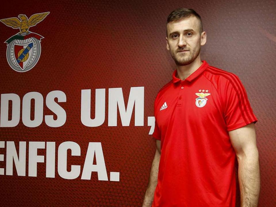 Basquetebol: Miroslav Todic apresentado como reforço do Benfica