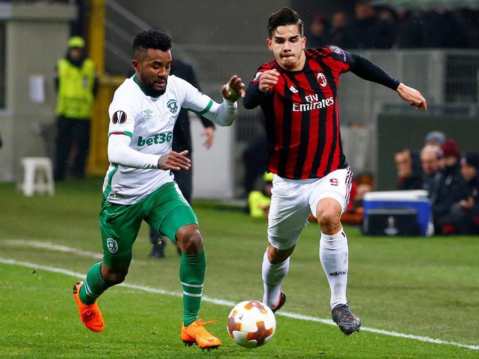 LE: Milan com André Silva no onze elimina Ludogorets