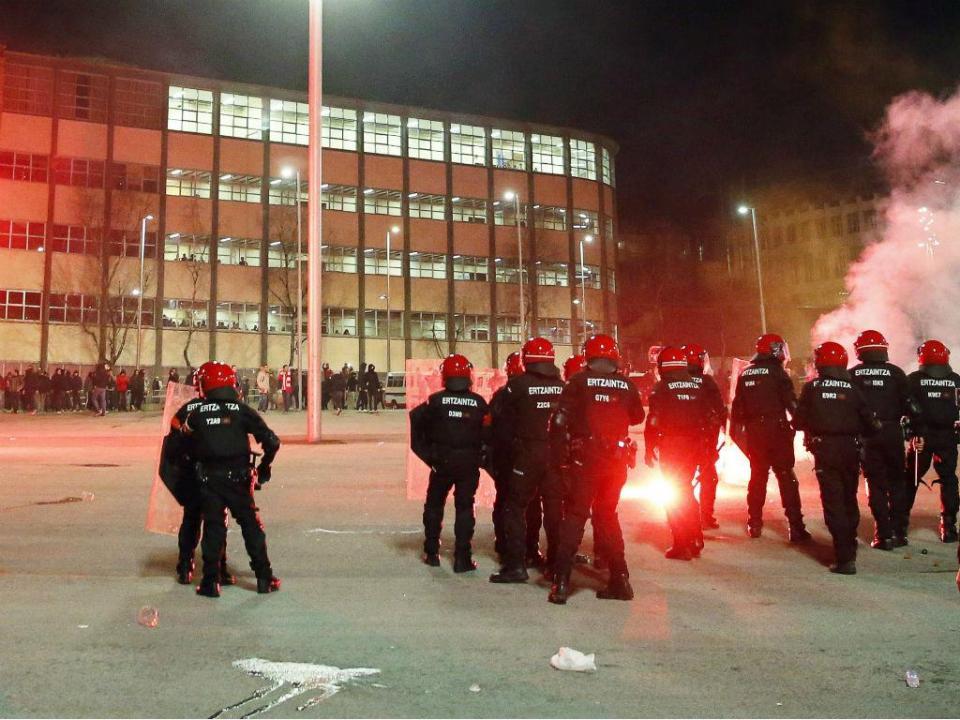 LE: violência no At. Bilbao-Spartak provoca morte de um polícia