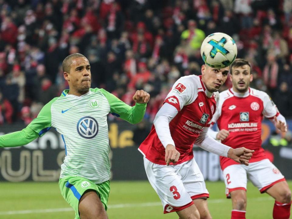 Alemanha: Mainz e Wolfsburgo empatam e continuam sob pressão