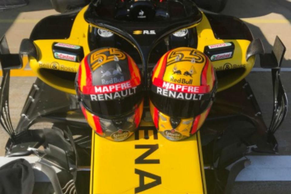 F1: Sainz pede ajuda aos fãs para escolher o capacete