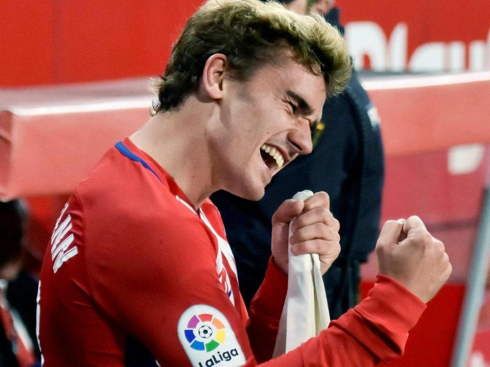 Espanha: Atlético goleia em Sevilha com «hat trick» de Griezmann