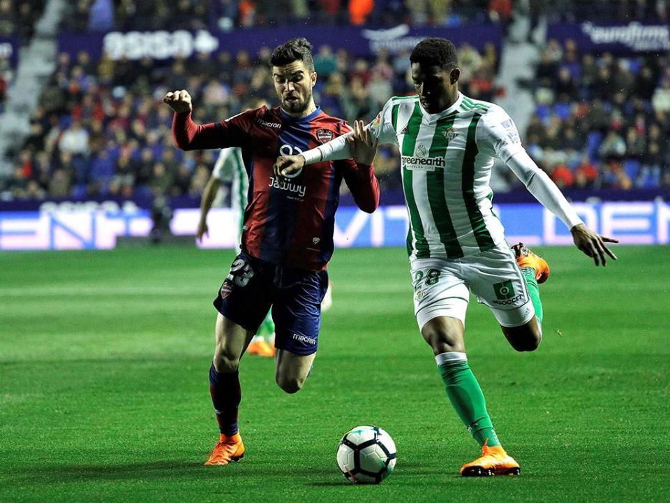 Espanha: Betis bate Levante e aperta Sevilha