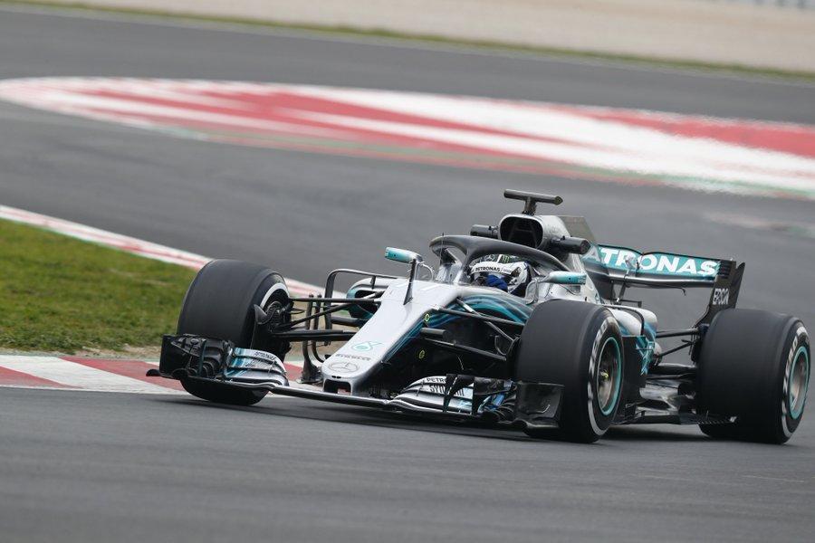 Lewis Hamilton espera puxar mais pelo novo carro