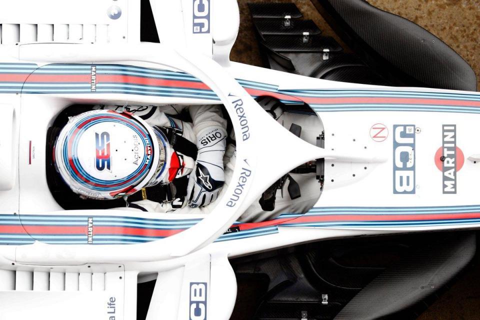 """Williams e o «botão extra» da Mercedes: """"Dar corda para que acreditem que existe"""""""