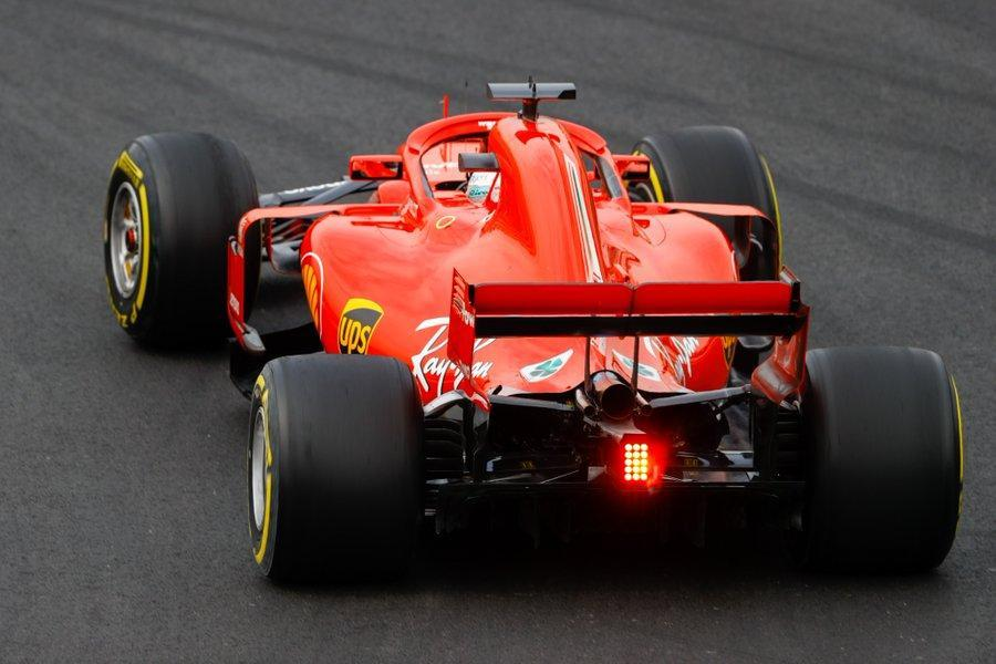 Sebastian Vettel desliza no gelo da Catalunha