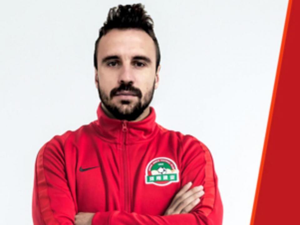OFICIAL: Orlando Sá também ruma ao futebol chinês