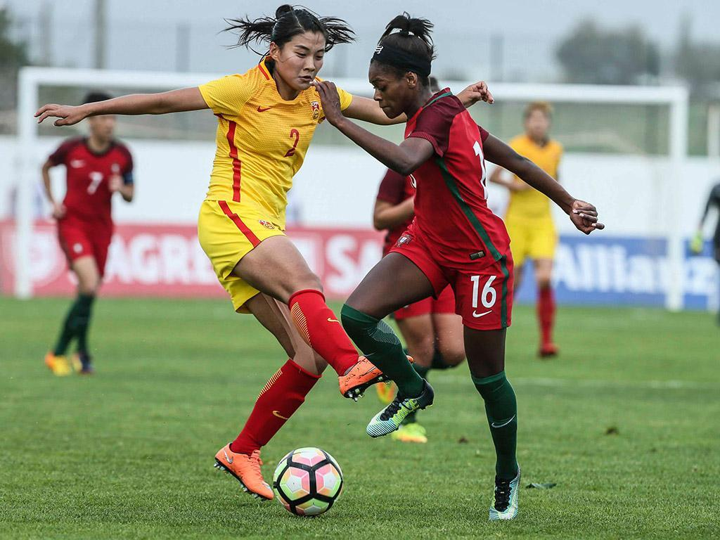 Portugal sobe dois lugares no ranking feminino