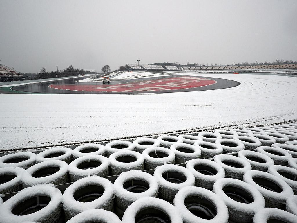 Testes F1: só deu Alonso... para além de muita neve...