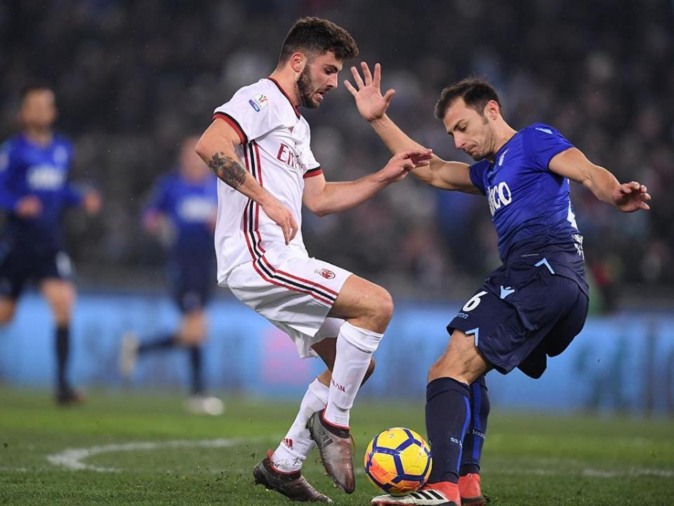 Itália: Milan na final da Taça ao eliminar Lazio nos penáltis
