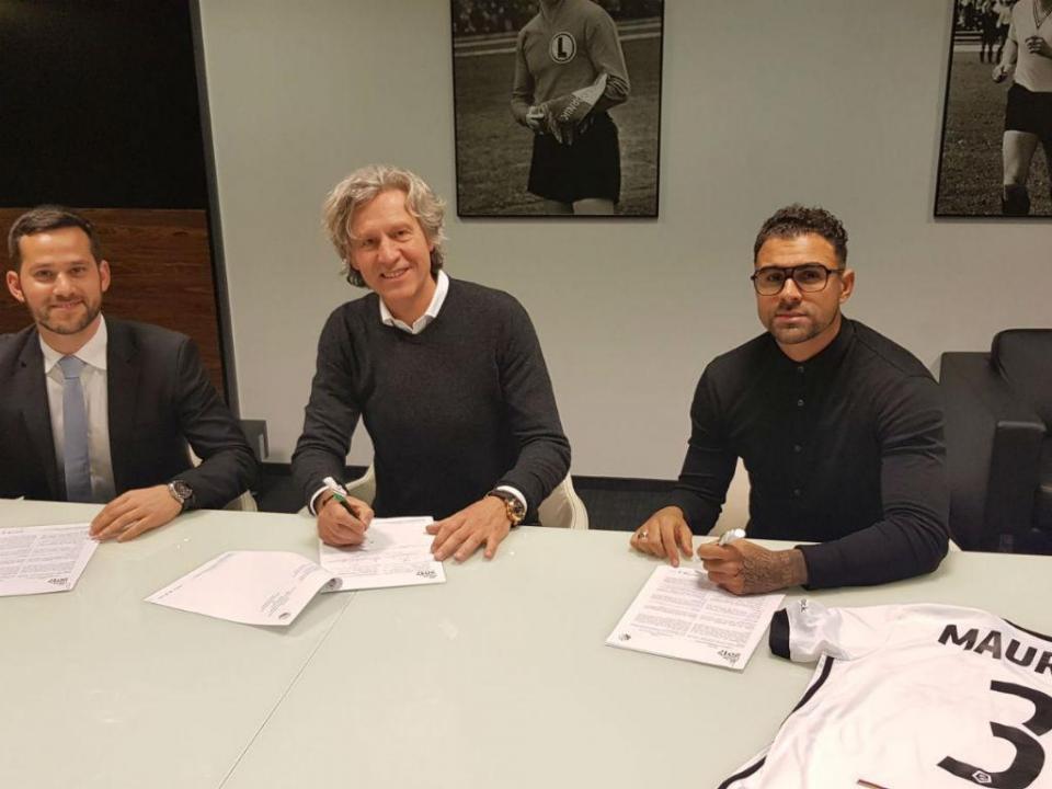 Maurício (lembras-te, Sporting?) vai jogar no Legia Varsóvia
