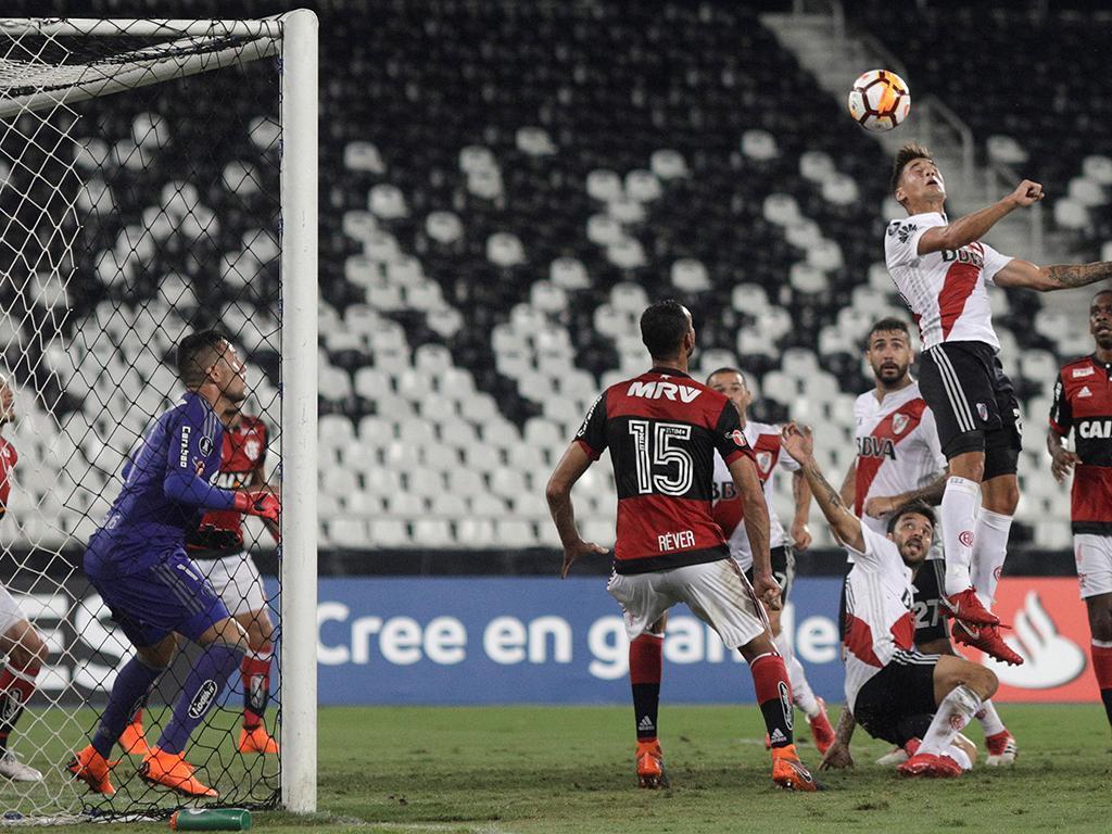 Flamengo demite treinador e nem o ex-benfiquista Mozer escapou à razia