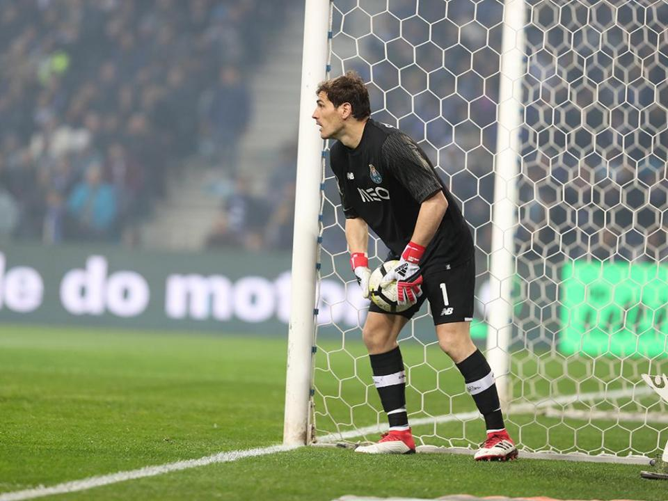 Belenenses-FC Porto: Casillas chega aos mil jogos na carreira