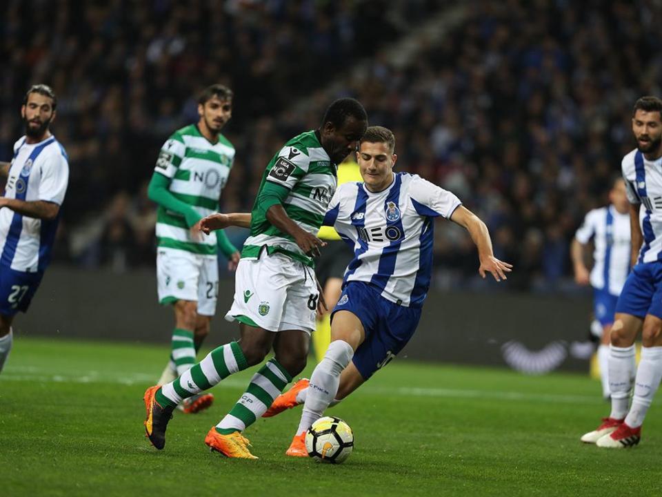 VÍDEO: Casillas faz a mancha a evita golo de Doumbia