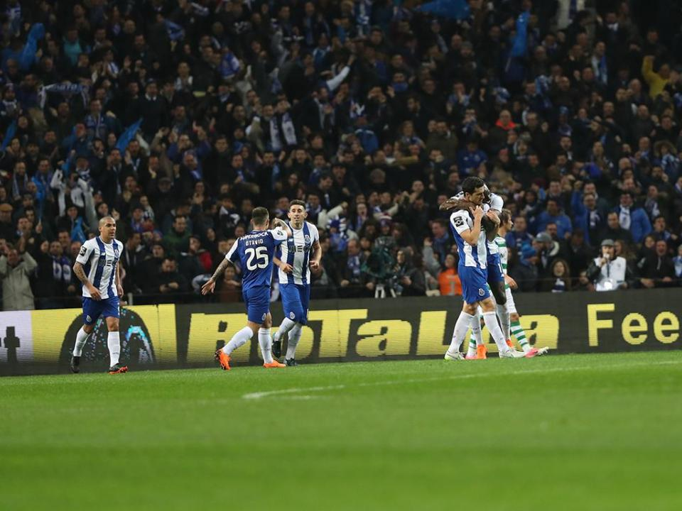VÍDEO: Marcano dá vantagem ao FC Porto