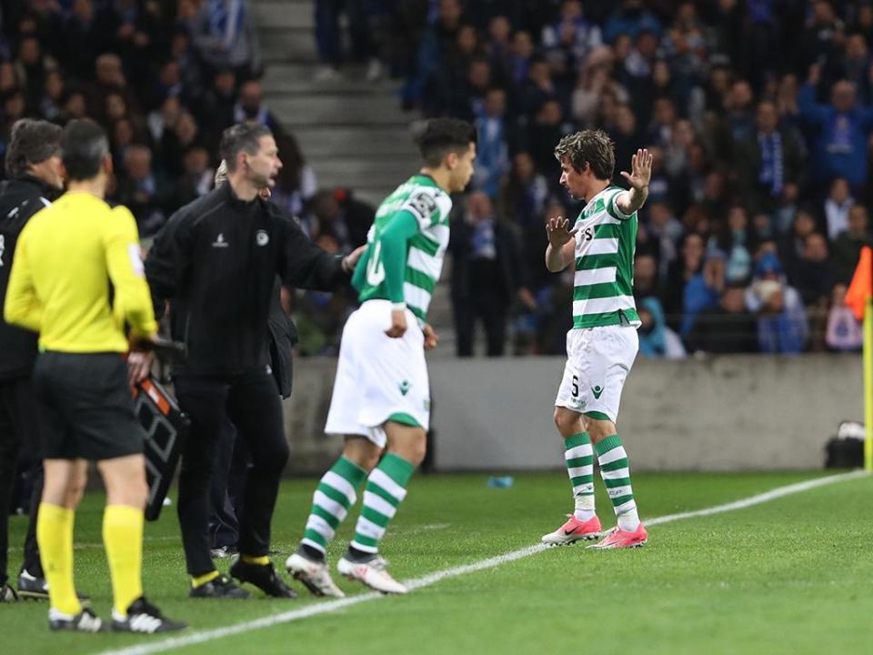 Sporting: Coentrão paga 20 euros de multa por incidente com maqueiros
