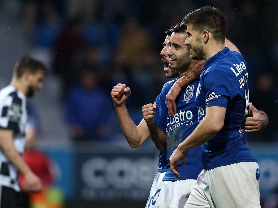 Feirense: Nuno Manta chama 19 jogadores para as Aves