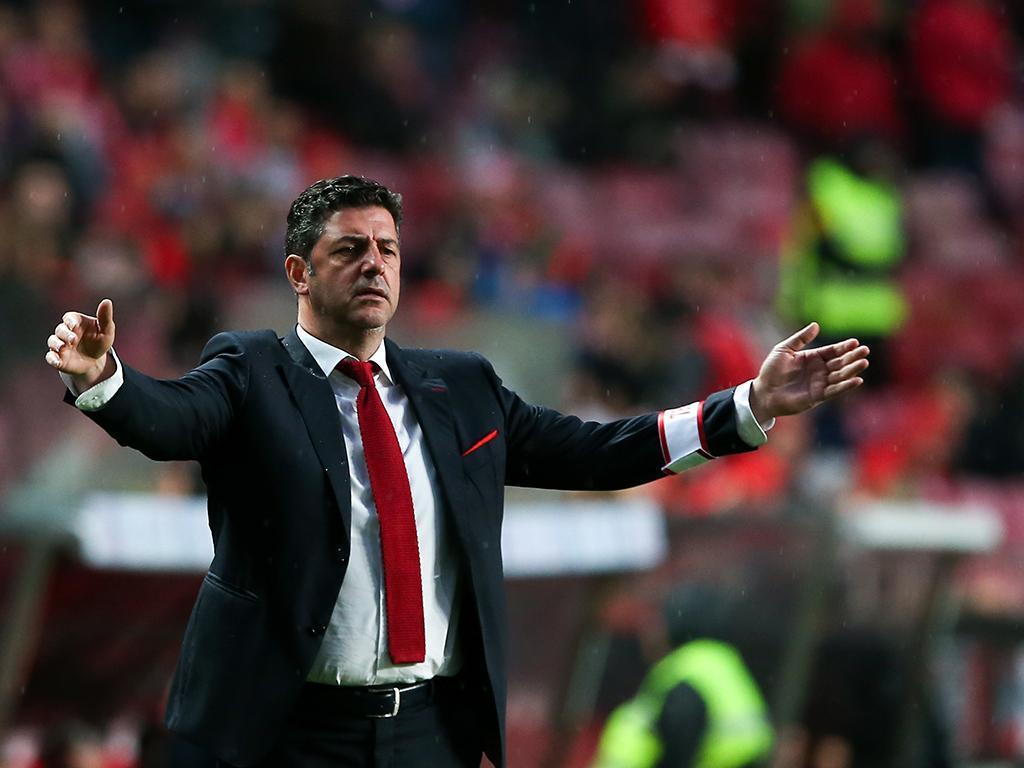 Relvado do Feirense preocupa Benfica