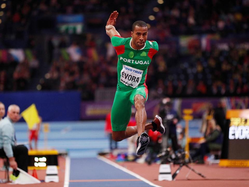 Europeus de Atletismo: Nélson Évora na final do tiplo salto