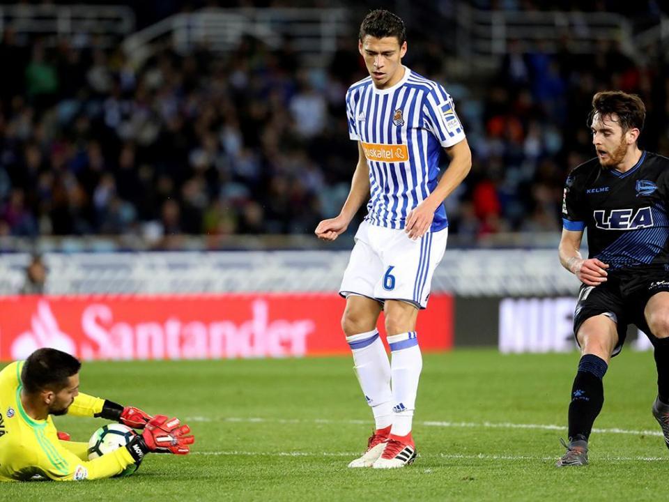 Espanha: Real Sociedad bate Alavés com entrada fulgurante