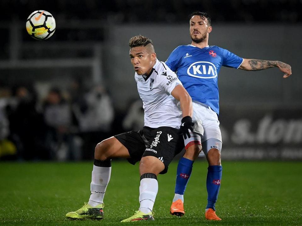 V. Guimarães: Welthon é baixa para o embate com o Feirense