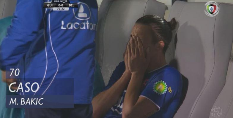 VÍDEO: Bakic sai em lágrimas no V. Guimarães-Belenenses