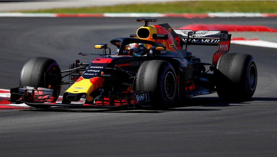 Testes F1: Ricciardo faz tempo «recorde» em Barcelona