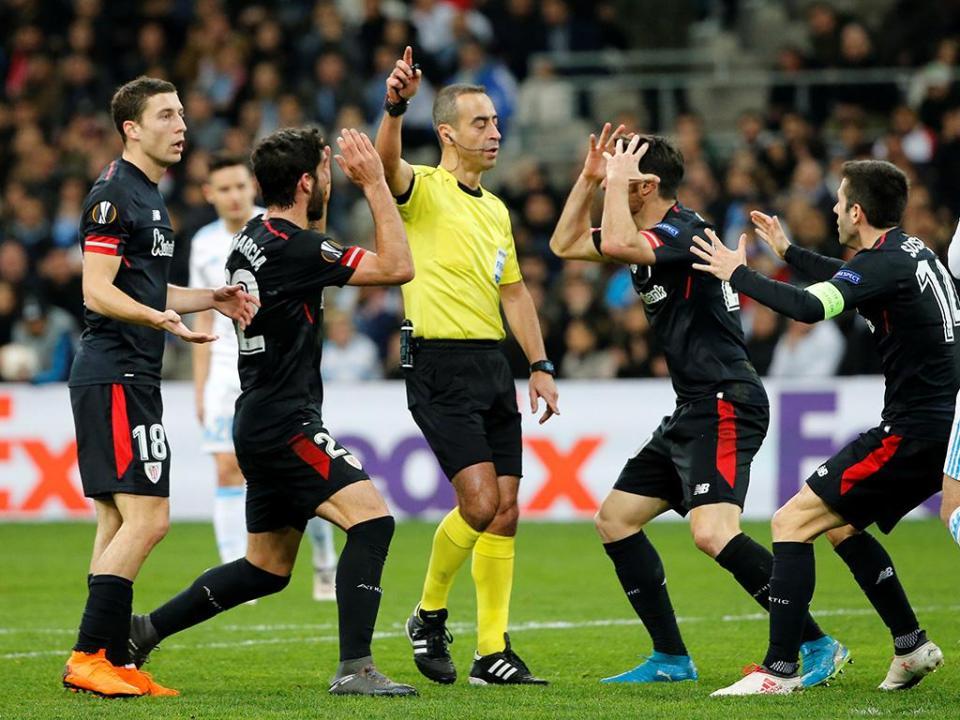 LE: Marselha com Rolando ganha vantagem sobre o Athletic