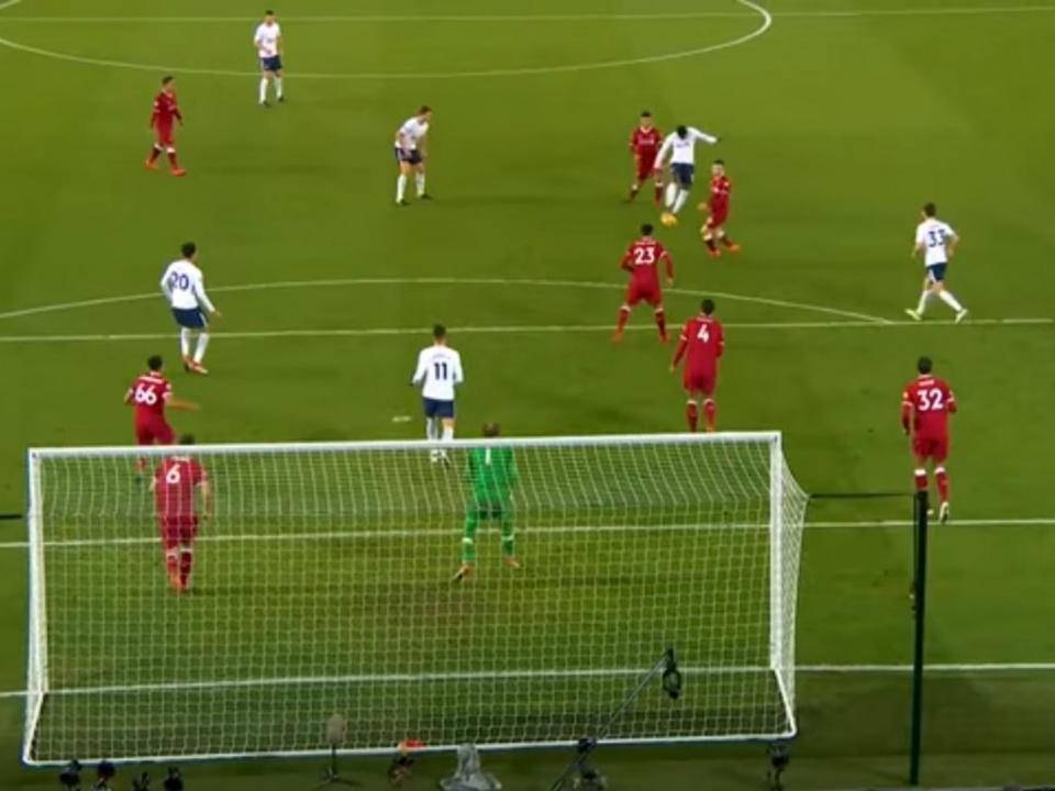 VÍDEO: esta bomba foi o golo do mês de fevereiro na Premier League