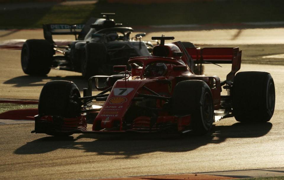 GP do Bahrain: Ferrari estão meio segundo à frente dos Mercedes