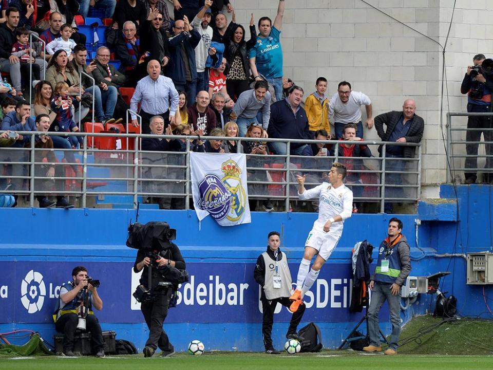 Ronaldo salva Real Madrid de novo tropeção
