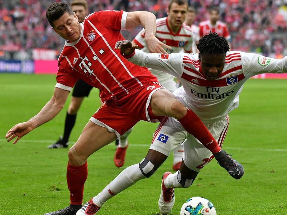 Alemanha: Lewandowski chega aos 100 golos nos 6-0 do Bayern