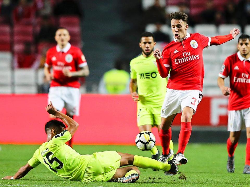 Benfica-Desp. Aves, 2-0 (resultado final)