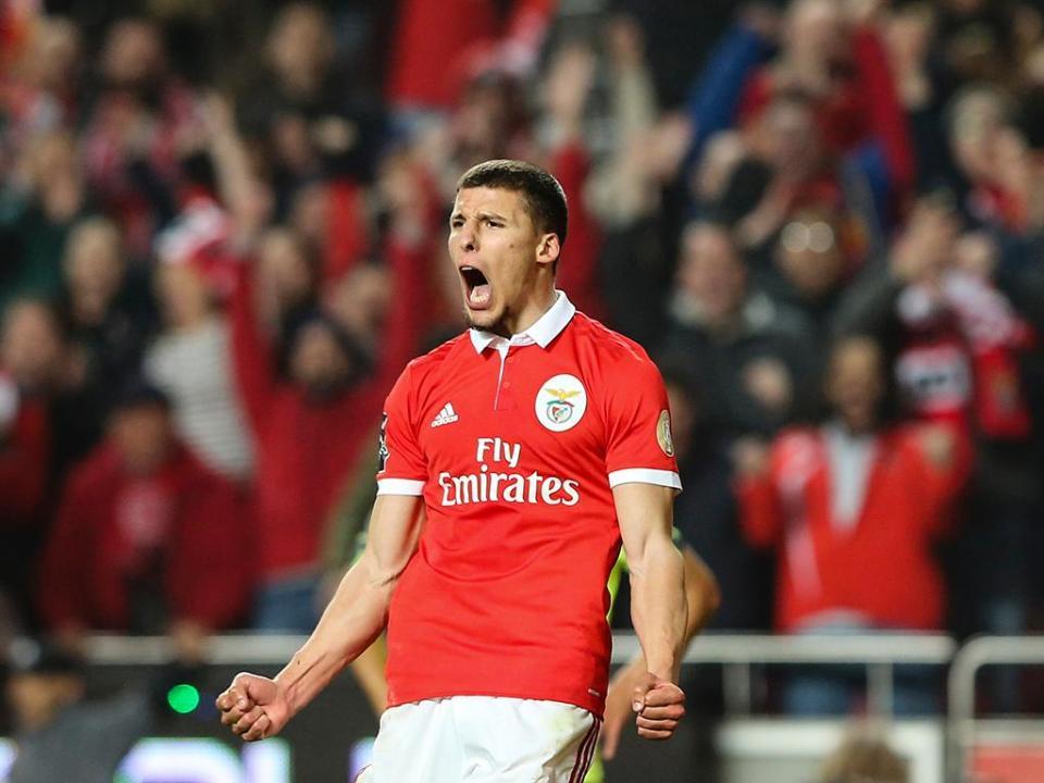 Liga: Rúben Dias vence prémio de jogador jovem do ano