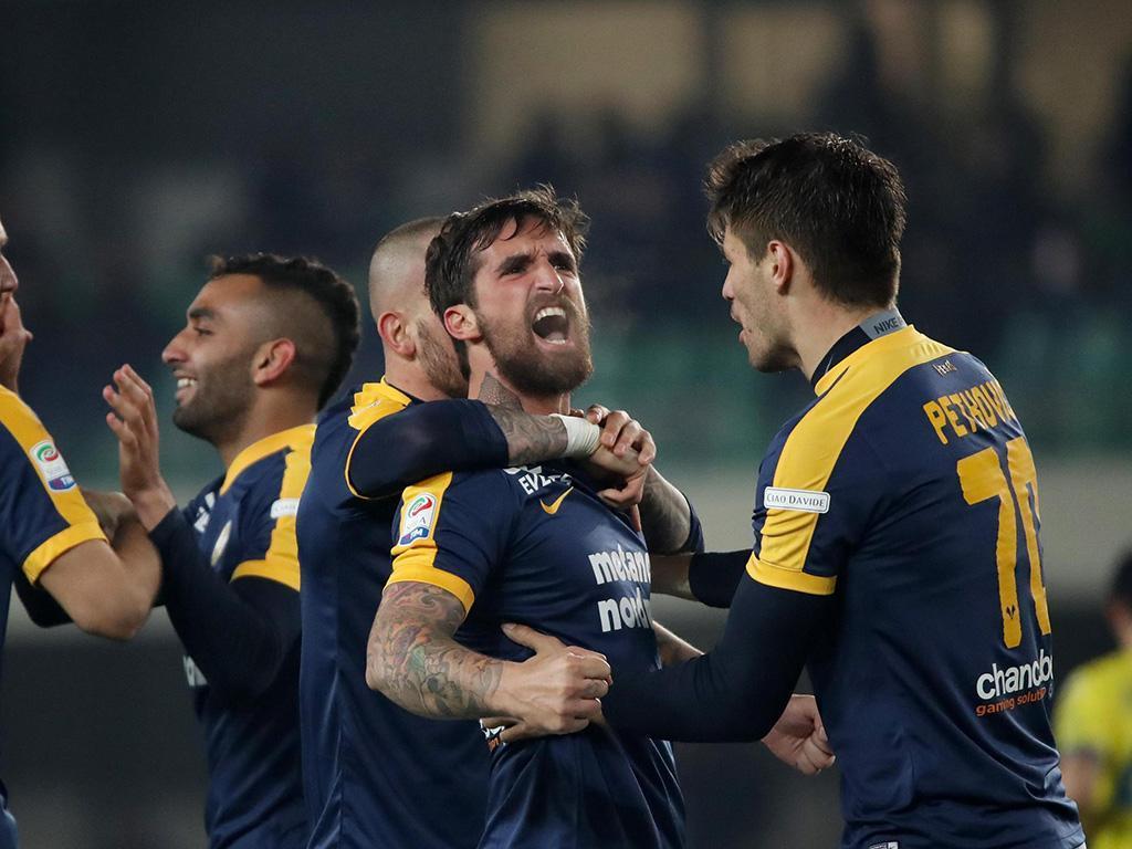 Caracciolo decide dérbi de Verona