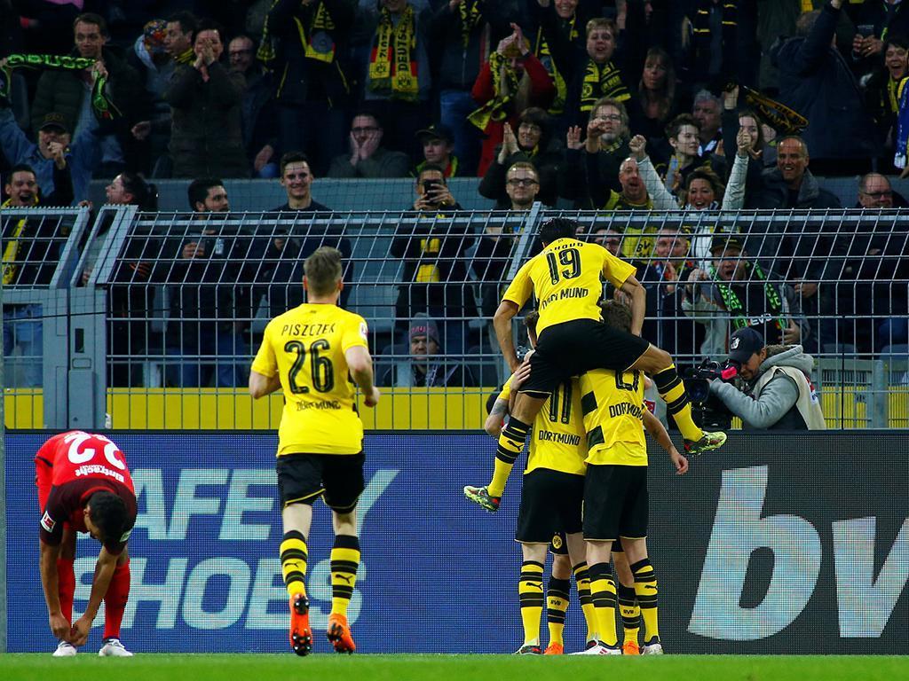 Jovic (Benfica) marca, mas Dortmund bate Eintracht em final de loucos