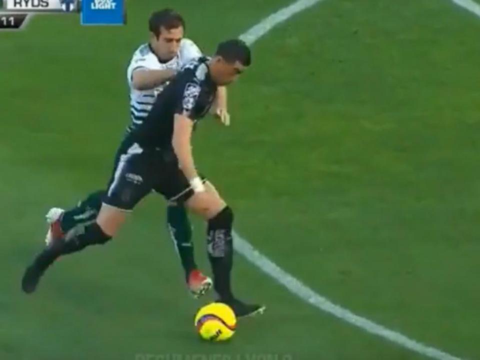 VÍDEO: golos de dois ex-Benfica em jogo que deixa Santos na liderança no México