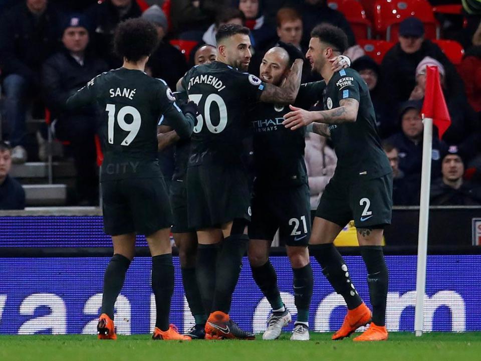 Inglaterra: Manchester City a uma vitória do título