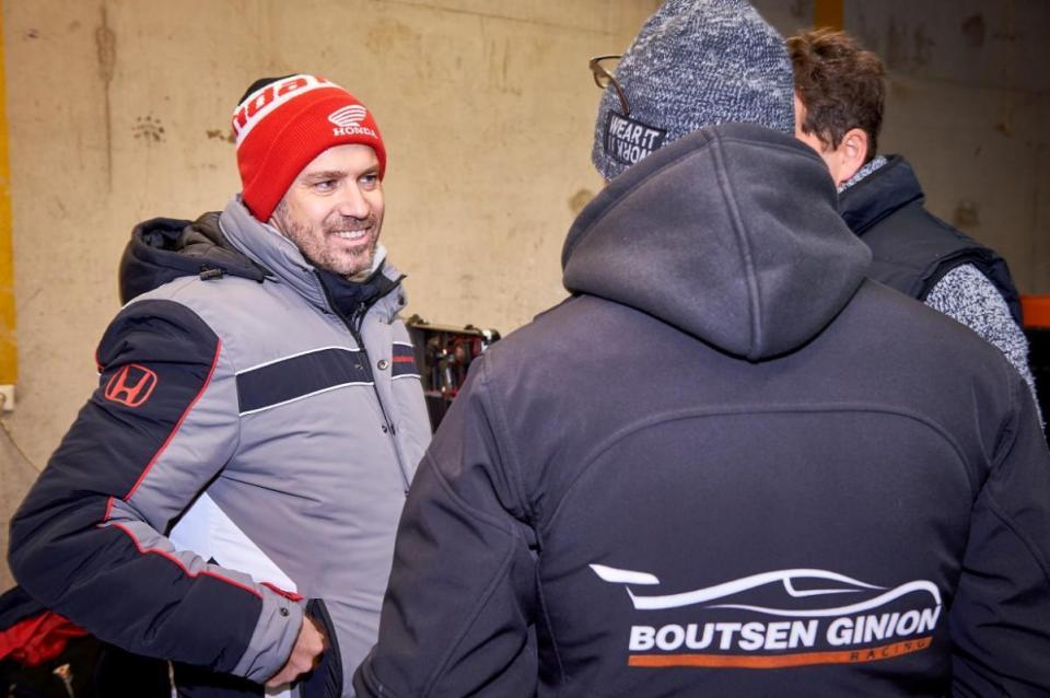 Tiago Monteiro falha arranque do WTCR
