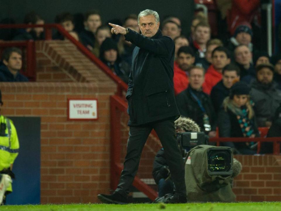 Mourinho: «Podia estar noutro país com o título no bolso»