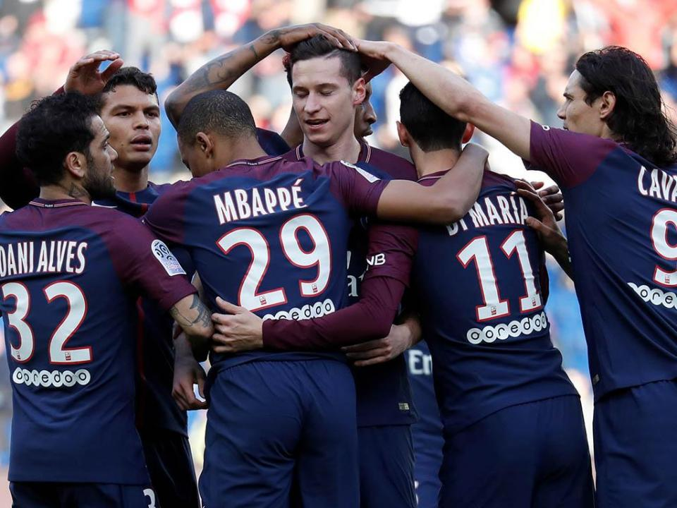 França: PSG vence com «bis» de Mbappé e chega aos 80 pontos