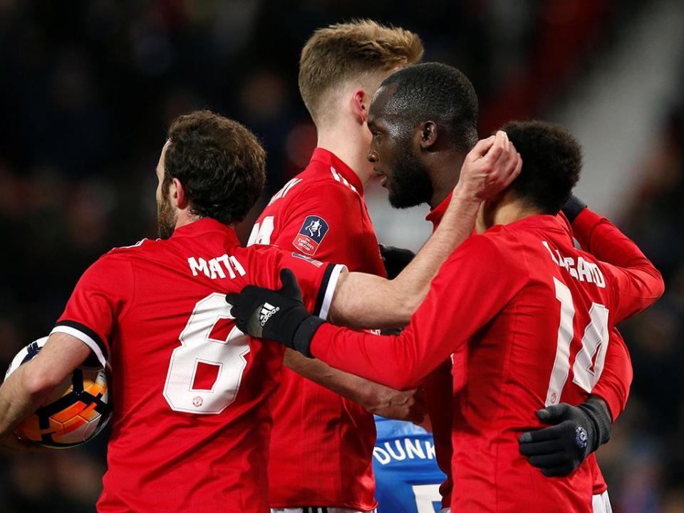 Mourinho regressa às vitórias e apura-se para as meias-finais da Taça