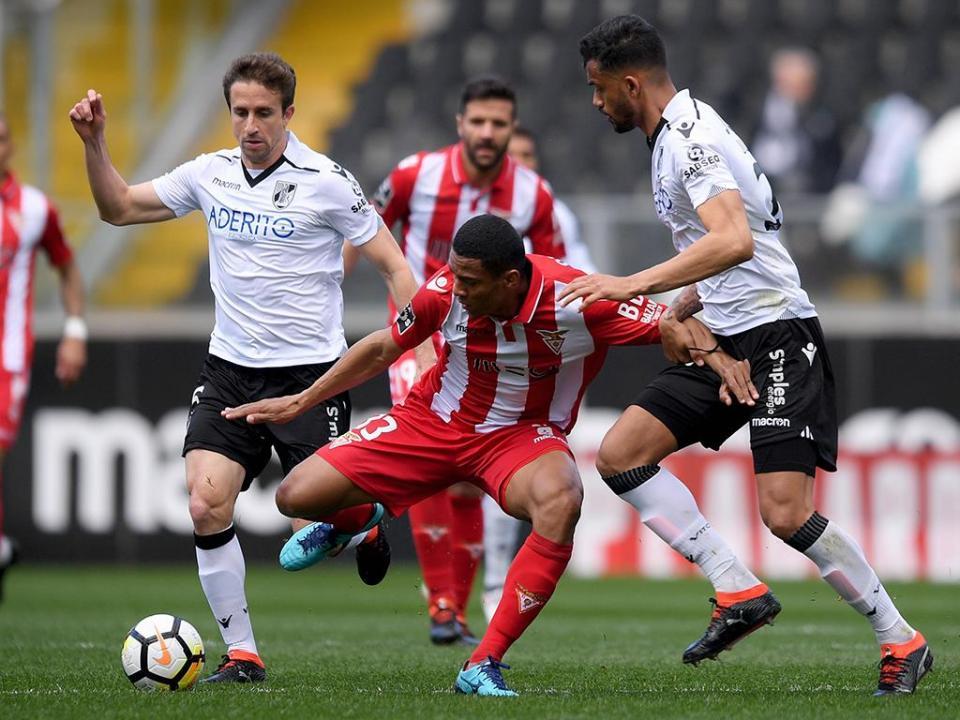 Desp. Aves e Vitória de Guimarães empatam a duas bolas