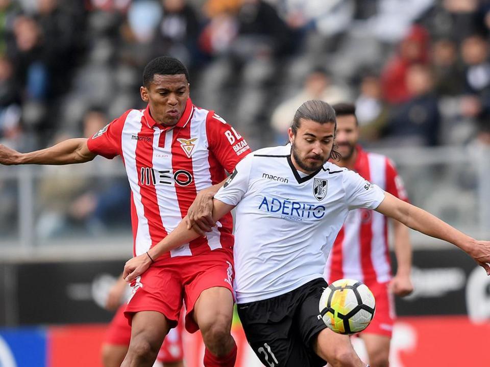 V.Guimarães-Desp. Aves, 2-1 (resultado final)