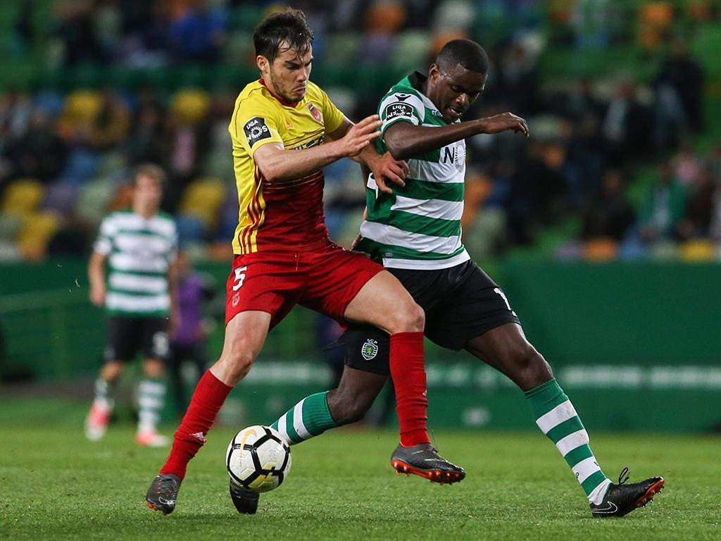 Sporting: William e Doumbia na lista para Madrid