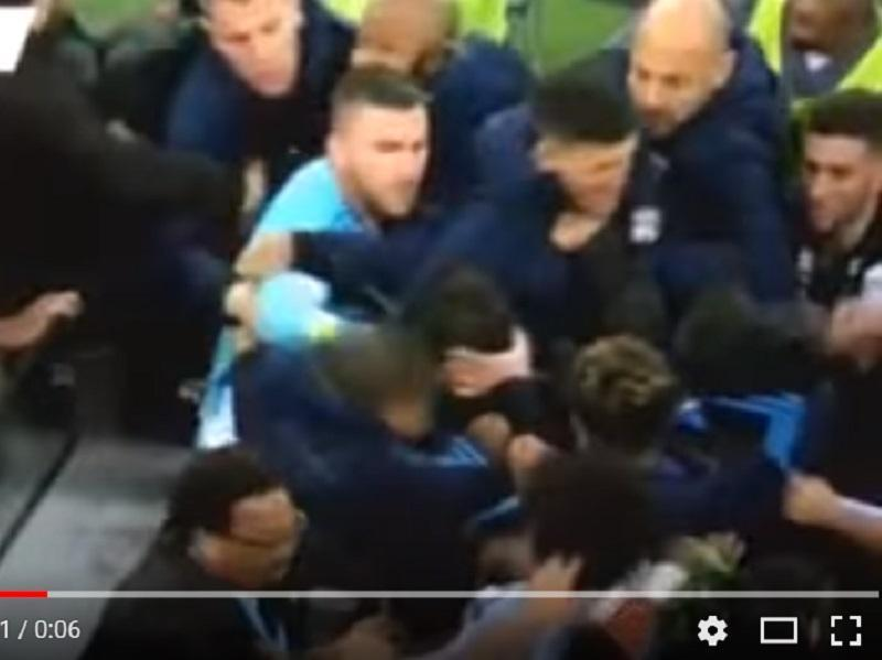 VÍDEO: Anthony Lopes apanhado a agredir técnico do Marselha