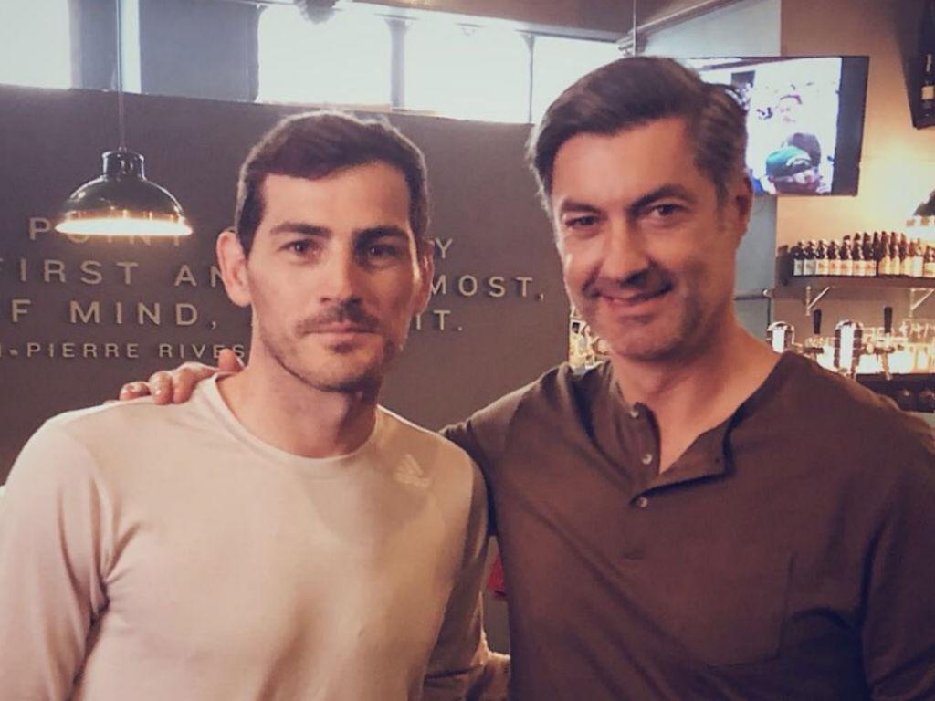 Casillas junta-se a Baía: «Um grande do futebol»