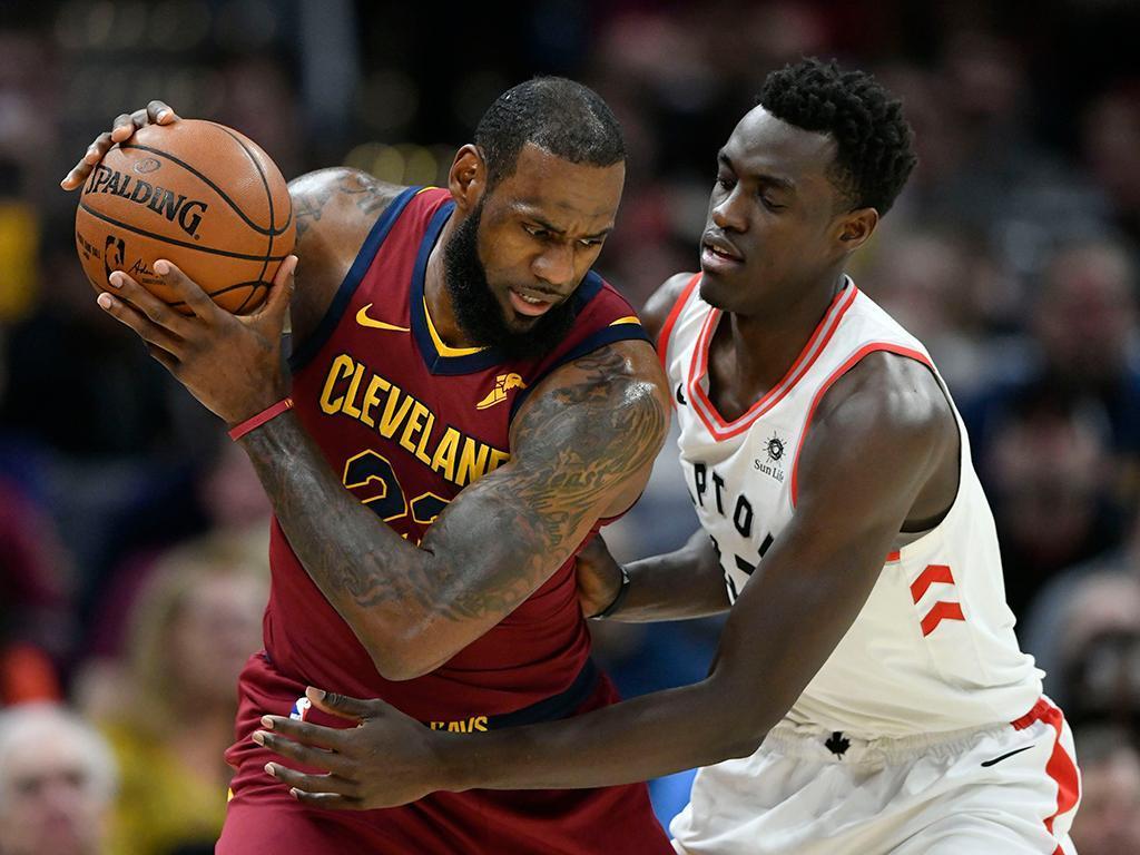 NBA: LeBron James bate Jordan e Cavs fazem 2-0 em Toronto