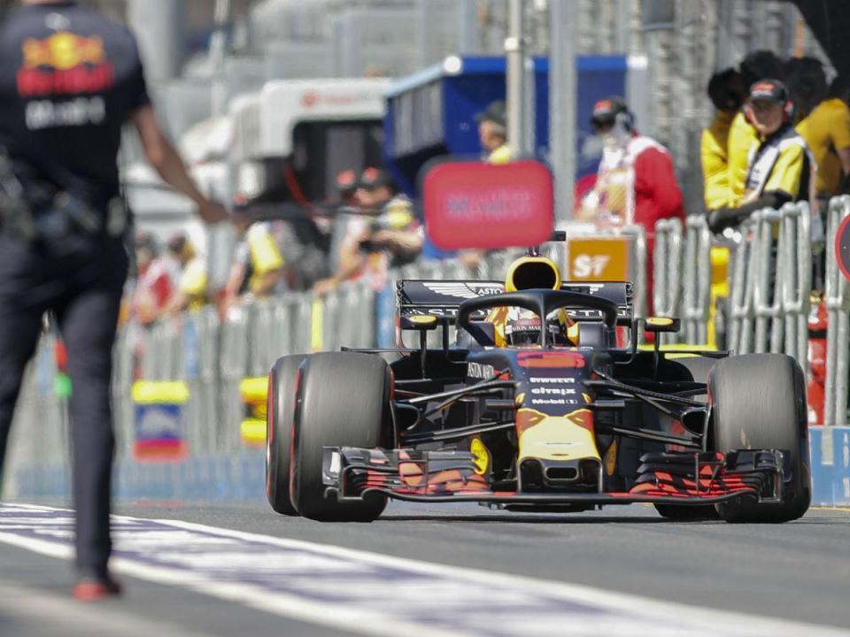Ricciardo diz que carros são demasiado largos para ultrapassagens